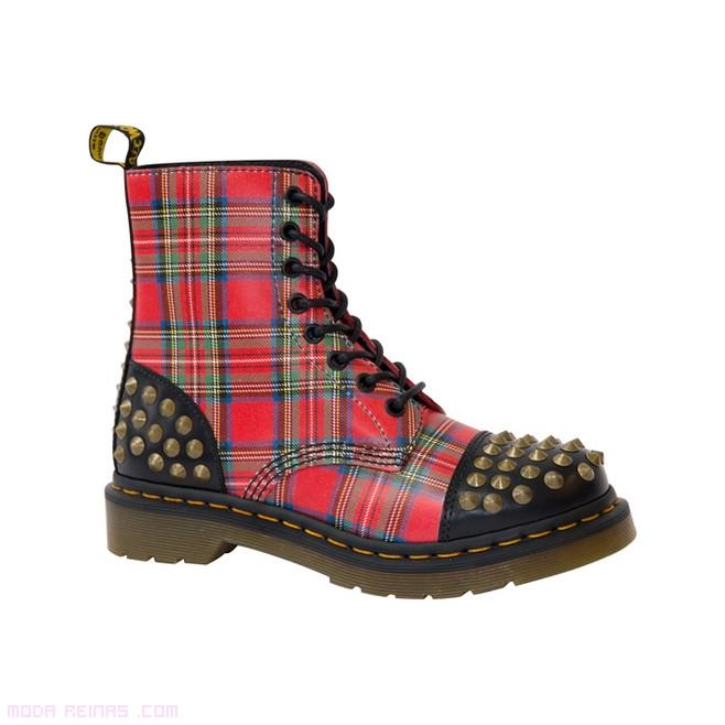 botines con tachuelas a la moda