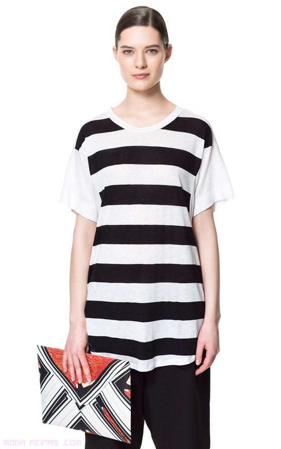 Camisetas de rayas en color negro