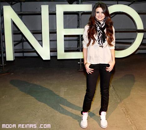 Selena Gómez presenta Neo