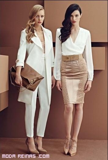 Trajes de chaqueta y blusas blancas