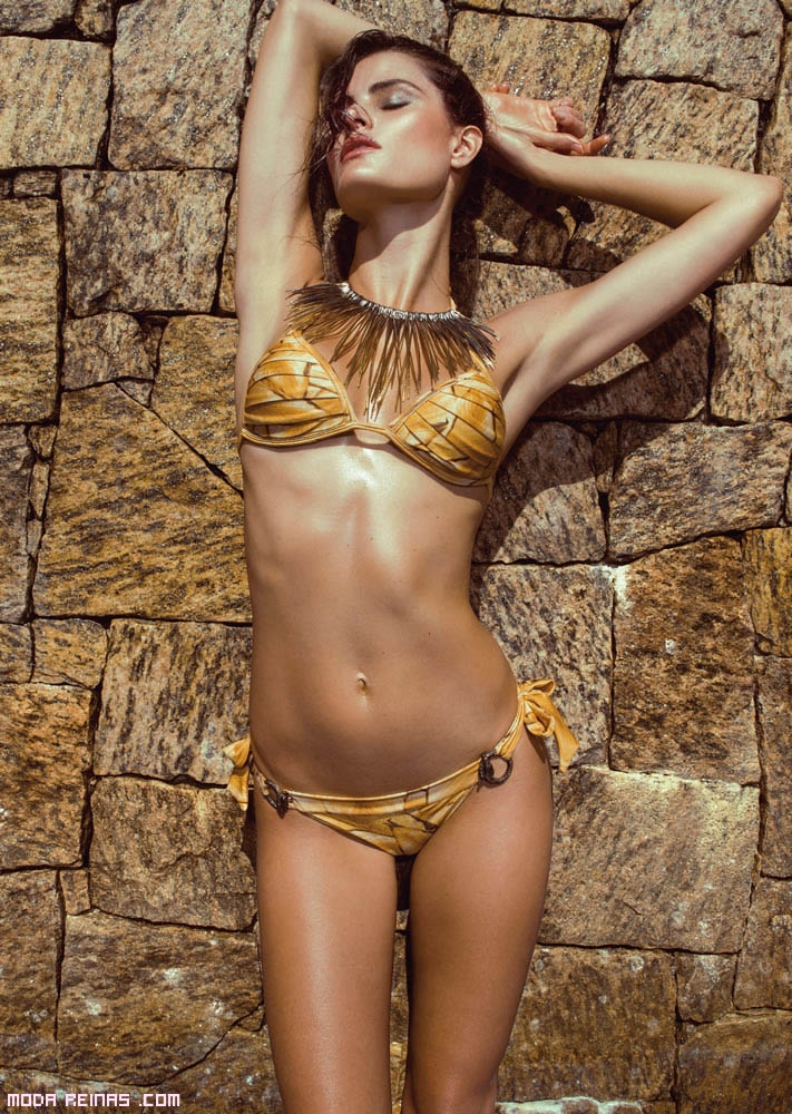 bikinis en color mostaza