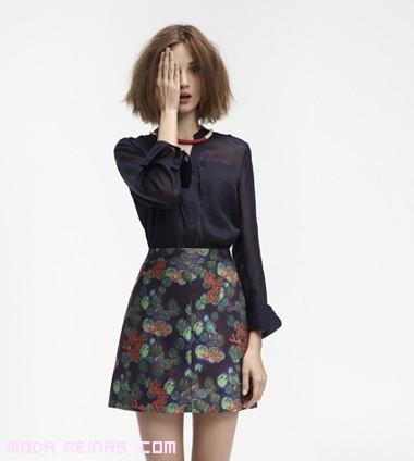 Faldas estampadas con blusas en negro