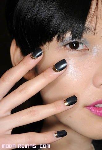 uñas bicolor a la moda