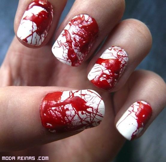 manicura en color rojo para disfraces
