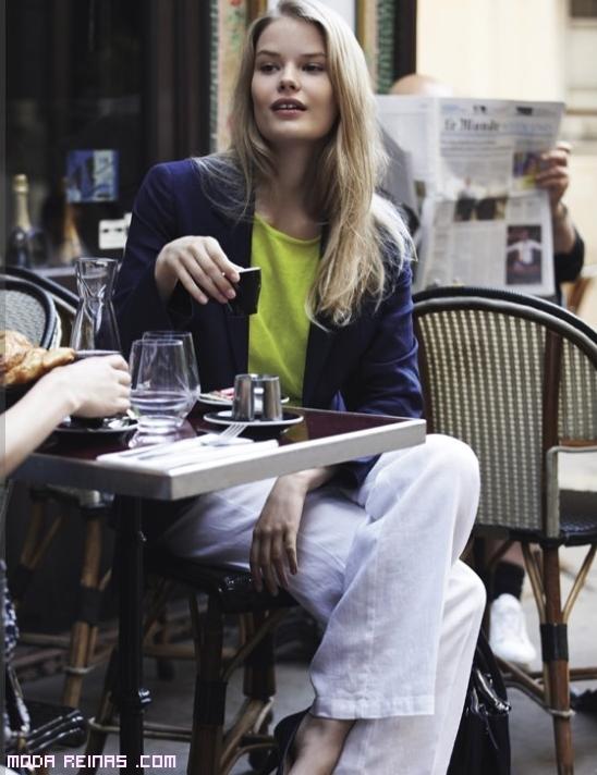 Pantalones juveniles de moda