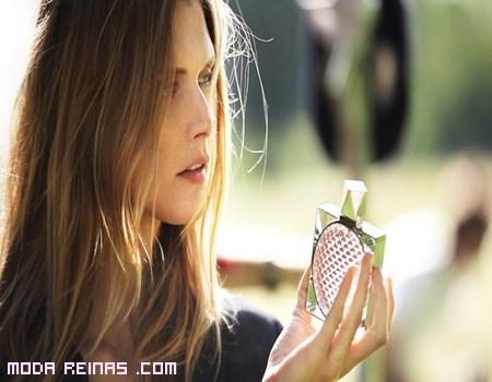 Frascos de perfumes lujosos