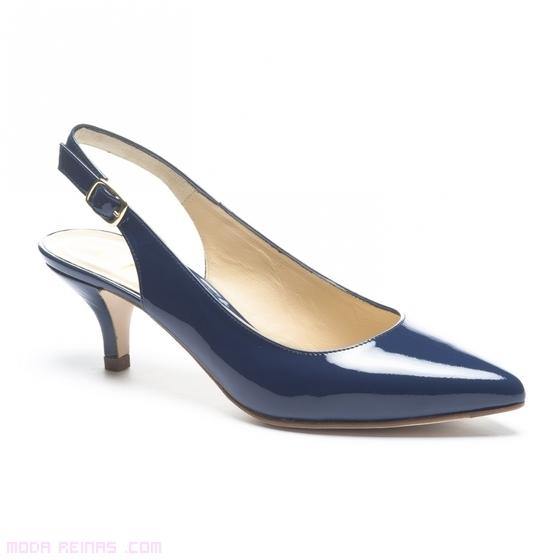 zapatos de charol en azul