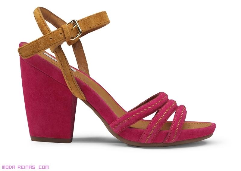 Sandalias informales de moda