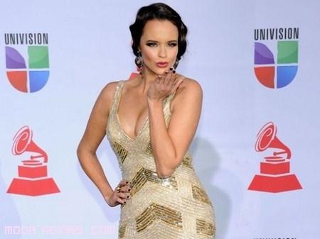 vestidos elegantes en Grammy Latino 2011