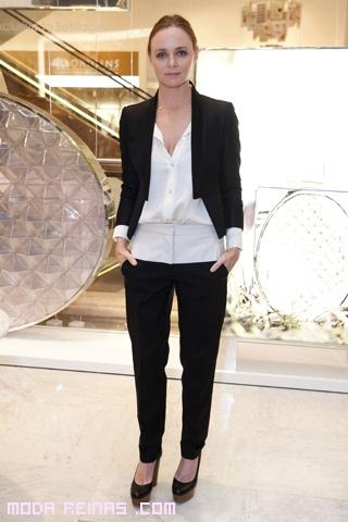 Diseñadora Stella McCartney en la presentación de un perfume