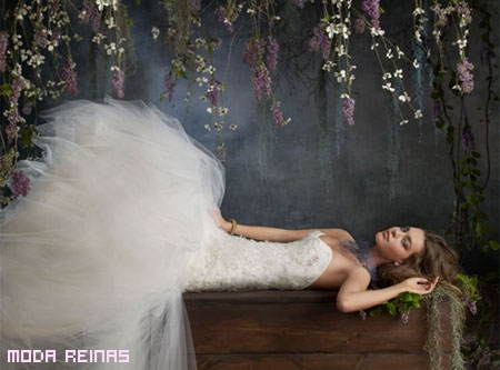 Tara-Keeley-Comeccion-Primavera-2011-Vestidos-de-novia