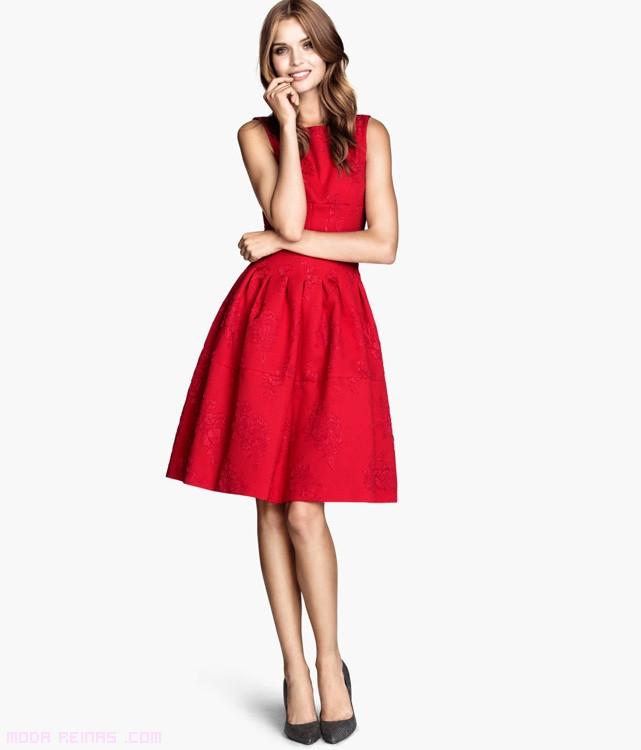 vestidos con faldas bordadas
