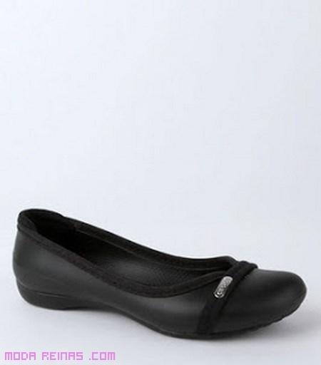 zapatos cómodos de goma