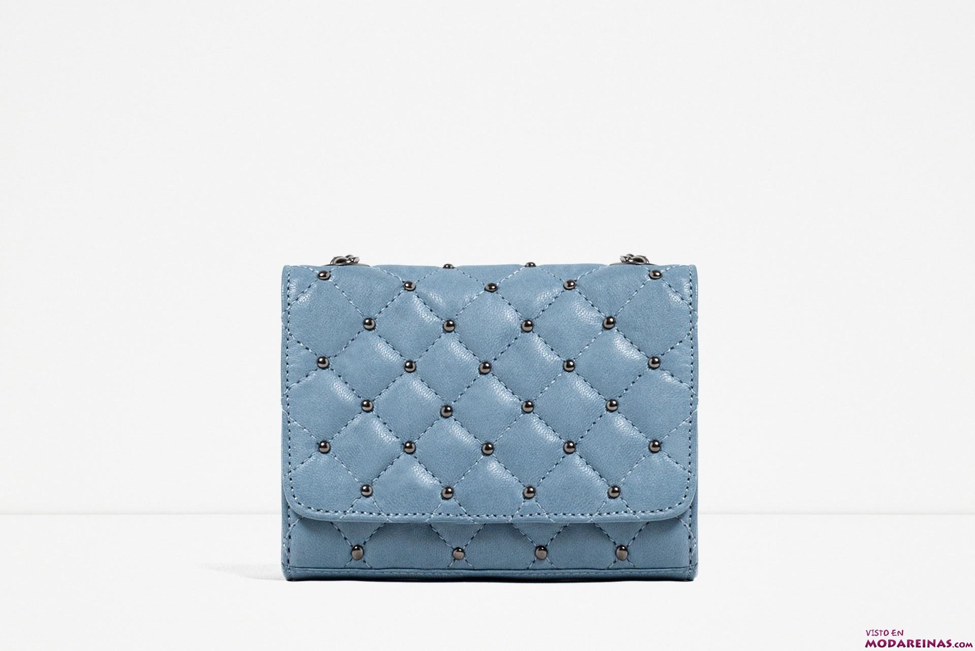 bolso acolchado en azul