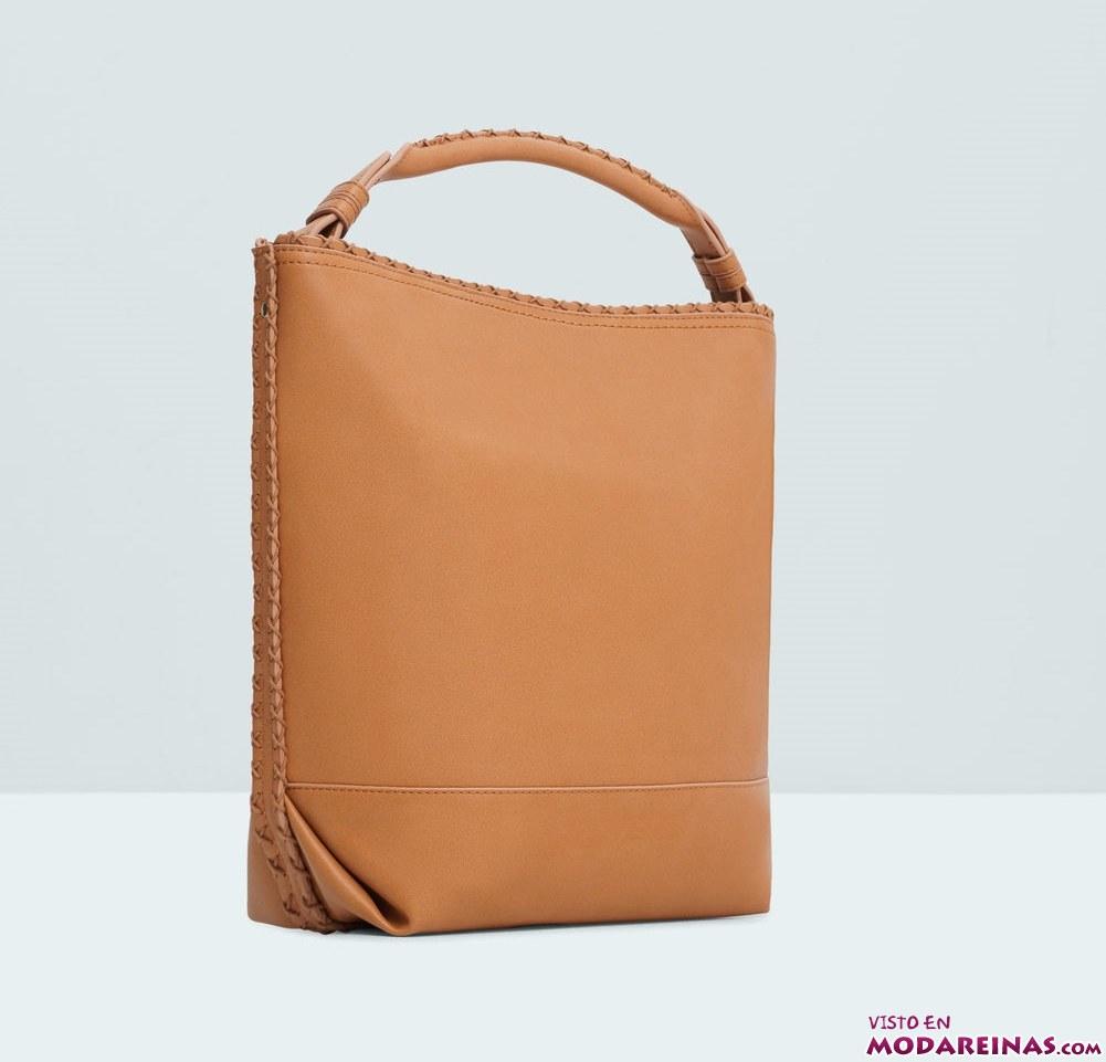 bolso grande marrón con asa