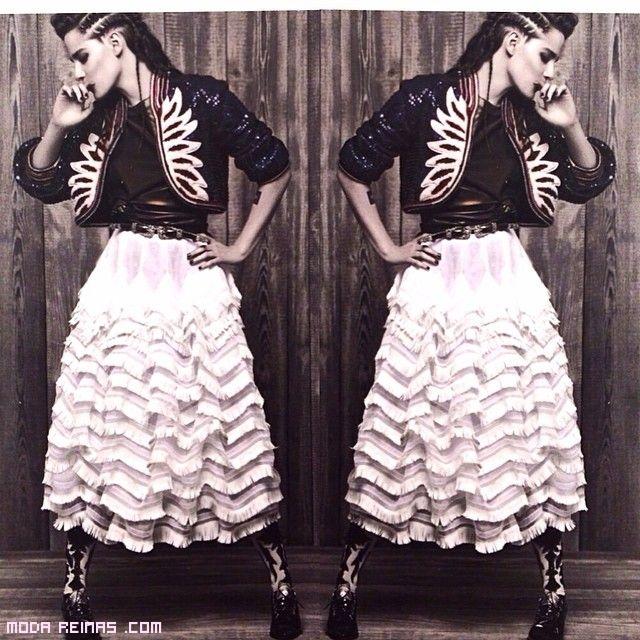 Faldas combinadas con botas altas