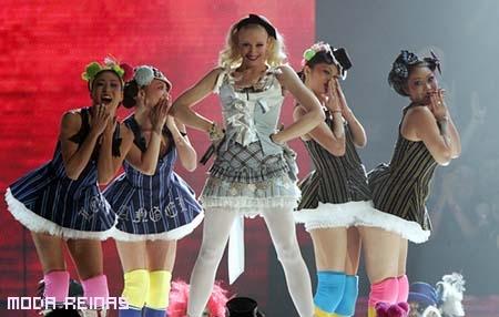 gwen-stefani-harajuku-girls.