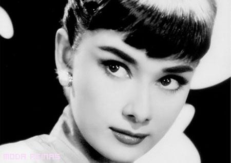 maquillaje-anos-50-audrey-hepburn