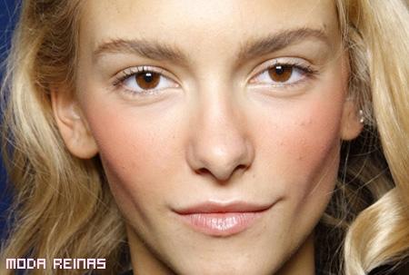 maquillaje-natural-a-la-moda-2011