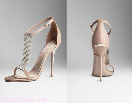 sandalias con brillantes en color nude