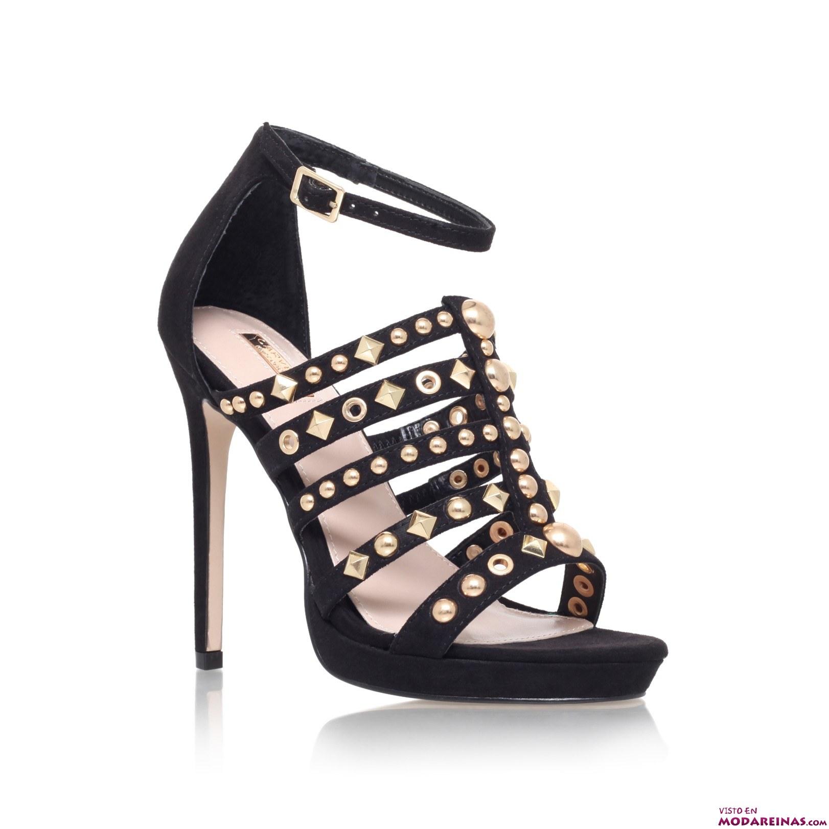 sandalias en color negro de tacón
