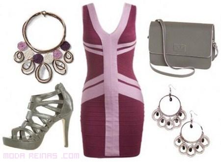 vestido rosa con complementos grises