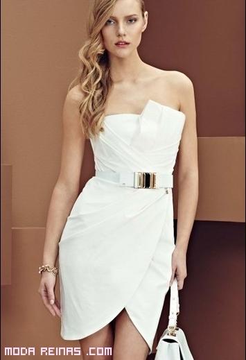 vestido corto blanco con cinturón