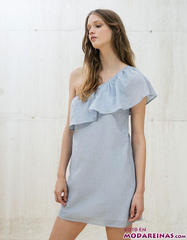 vestido con escote asimétrico