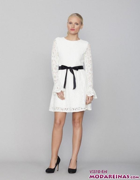 vestido corto de encaje blanco