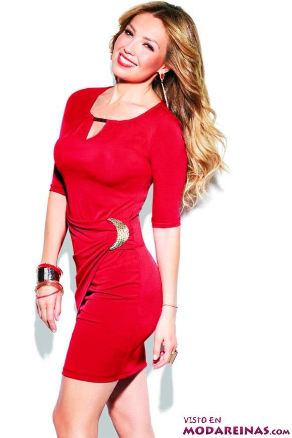 vestido rojo con escote