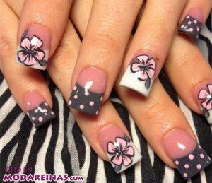5 ideas de manicura floral